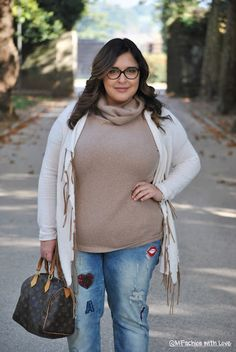MFashion With Love: Un Jeans dal gusto Pop by Fiorella Rubino e un movimentato Cardigan con Frange || Curvy || Plus size || Outfit