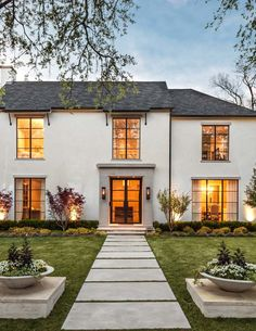 Exterior | Robert Elliott Custom Homes