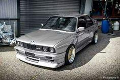 BMW E30 M3 grey