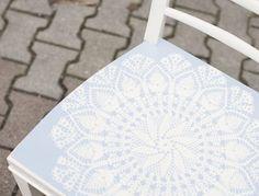 DIY-Anleitung: Spitze auf Stuhl sprühen via DaWanda.com
