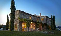 Our experts' pick of the top 10 self-catering and villa holidays in Italy for in destinations including Tuscany, Umbria, Liguria, Sardinia and Venice Italian Style Home, Italian Villa, Palazzo, Italy Holidays, Villa Holidays, Italy House, Italian Farmhouse, Tuscan House, Tuscan Style