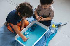 Brinquedos presos no gelo | Fronzen Water