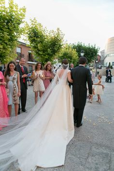 Vestido de novia en gazar de seda natural