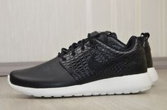 bf615ada10256c NIKE ROSHE ONE LX WOMEN s LEATHER Gr.- 40 - UK 6 - US 8.5