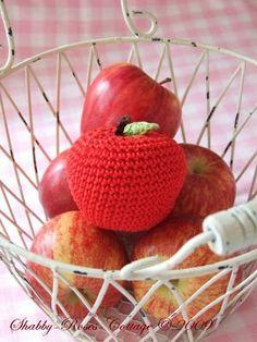 Shabby-Roses-Cottage: I love apples & aqua...