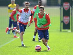 Arsenal train ahead of FA Cup semi-final: Mesut Ozil