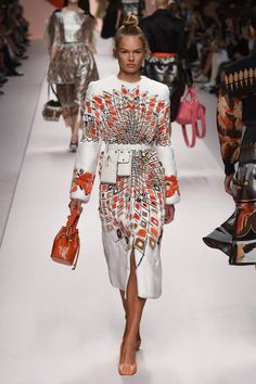 Fendi Spring/Summer 2019 Ready-To-Wear Collection #springfashion