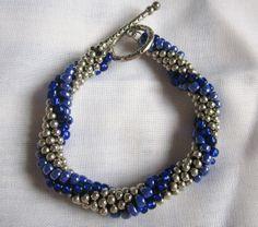 Angel Rock : Pulseiras de Missangas em Crochet http://iangelrock.blogspot.pt/2013/06/pulseiras-de-missangas-em-crochet.html