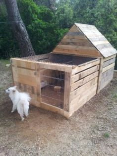 Maisonnette pour lapin. Rabbit's house. A larger-scale version would work well as a pig pen!