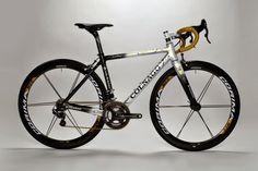 Colnago-C60-Italia-Campagnolo-Record-EPS-Complete-Bike-01.jpg (2000×1334)