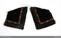 Öronlapp/örnasvans från Vemmenhögs härad. Ev. tillverkade för museets räkning, annars från före 1875. Nordiska Museet, nr. NM.0006418A-B