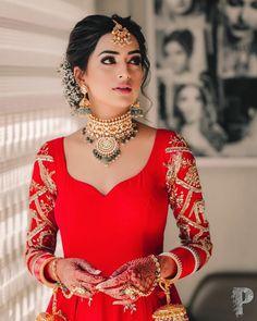 Bridal Hairstyle Indian Wedding, Bridal Hair Buns, Indian Wedding Bride, Indian Bridal Hairstyles, Indian Bridal Outfits, Indian Bridal Makeup, Indian Bridal Fashion, Bridal Dresses, Indian Bride Hair