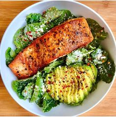 Healthy recipes on salmon caeser salad by sara haven sara haven what you see baby kale tossed in caesar dressing seared crispy salmon my favorite healthy chicken alfredo paleo dairy free Healthy Meal Prep, Healthy Snacks, Healthy Eating, Healthy Recipes, Easy Recipes, Keto Recipes, Sausage Recipes, Diet Snacks, Diet Meals