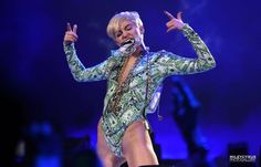 Miley Cyrus – Bangerz Tour at First Direct Arena In ...