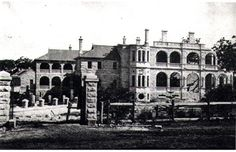 Curzon Hall was built in the 1890's and is located at 53 Agincourt Road, Marsfield. It features Italian Renaissance style with graceful arches and colonnades built with local sandstone. It is now a function centre and a popular venue for social functions and conferences. #CurzonHall #History #Marsfield #RydeLocal #CityofRyde #Archives Italian Renaissance, Local History, Sydney Australia, South Wales, Historical Sites, North West, Geography, Old Photos, Beautiful