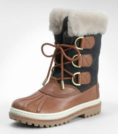 Love these boots, looks so comfy and warm!