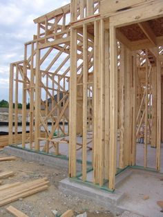 (READ)New home construction tips: WHEN you need to make decisions to allow for future upgrades to save on future costs. Home Building Tips, Building A House, Building Ideas, Build House, Steel Framing, New Home Construction, Framing Construction, Construction Process, New Home Builders