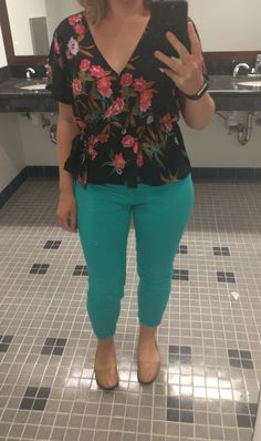 Dear Stylist,  This is me! I'm wearing my crop jeans from the last fix with a top I got at Marshalls and FSNY flats. Sincerely, Me