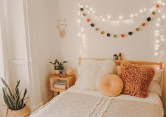 Since I'm ill, I would rather be sleeping in my comfy bed right now than studying 🤧 I hope your Monday is going better than mine 😂💕 Home Bedroom, Bedroom Decor, Bedroom Ideas, Bedrooms, Boho Teen Bedroom, Bedroom Inspo, My New Room, My Room, Cute Room Ideas
