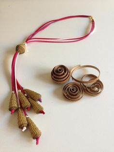 """Collana """"Bead_03"""" gioiello di carta di QuillyPaperDesign_ Necklace """"Bead_03"""" paper jewel by QuillyPaperDesign"""