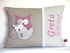 Namenskissen - Namenskissen mit Eule und Eulenbaby rosa /taupe - ein Designerstück von Julies-Place bei DaWanda