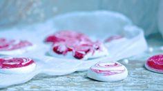 Love and delight - Klisjéhjemmet Panna Cotta, Candy, Baking, Ethnic Recipes, Desserts, Food, Tailgate Desserts, Dulce De Leche, Deserts