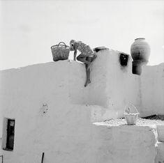 by Zacharias Stellas. Benaki Museum, Photography Articles, Summer Glow, Light Year, Paros, Magnum Photos, Mykonos, Old Photos, Nice Photos