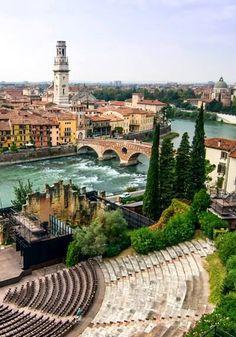 Verona, Italia. Verona straddles the Adige river in Veneto, Italy.