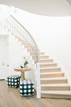 Curved staircase table