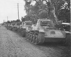 Toldi column. Armed Forces Branches, World Conflicts, Tiger Tank, Ww2 Photos, War Dogs, Austro Hungarian, Special Ops, Ww2 Tanks, World Of Tanks