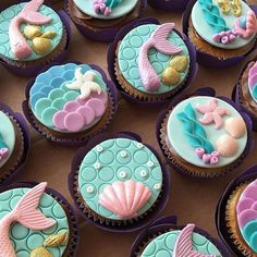New Cupcakes Fondant Sirena Ideas Mermaid Birthday Cakes, Little Mermaid Birthday, Little Mermaid Parties, Little Mermaid Cupcakes, Mermaid Themed Party, Mermaid Party Favors, Birthday Cupcakes, Fondant Cupcake Toppers, Cupcake Cakes