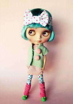 Iris rose et cheveux bleus : beau !!!