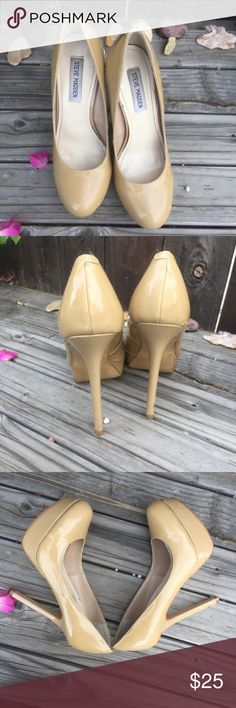 STEVE MADDEN NUDE SZ 8 STILETTO HEELS STEVE MADDEN NUDE SZ 8 STILETTO HEELS- patent vegan leather- super sexy on- small scuff on front toe and spot on back heel otherwise good condition! Steve Madden Shoes Heels