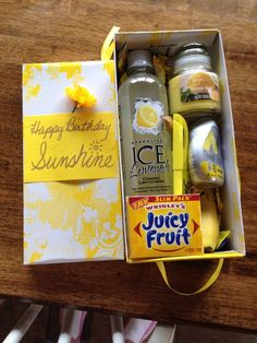 37 best ideas gifts for best friends birthday care packages box of sunshine Cute Birthday Gift, Birthday Gift Baskets, Birthday Gifts For Best Friend, Christmas Gifts For Friends, Best Friend Gifts, Birthday Presents, Birthday Gifts For Coworkers, Diy Birthday Box, Golden Birthday Gifts