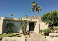 Mid-century modern home eye candy | #midcenturymodern #homeinspiration #simplicity #palmspringslife #palmsprings