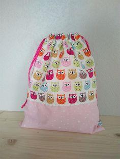 Sac pochon enfant coton écru motifs hiboux colorés et rose