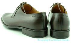 Chelsea Boots, Oxford Shoes, Ankle, Women, Fashion, Moda, Wall Plug, Fashion Styles, Fashion Illustrations