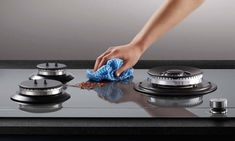 How to clean your gas cooktop without harsh chemicals. There are many ways to clean a stainless steel gas stove top, black gas stove top, electric gas stove top or any other gas stove top(Or burnt top). And its components like gas stove burner, gas stove Gas Stove Cleaning, Cleaning Appliances, Best Appliances, Cooking Appliances, Electrical Appliances, Black Gas Stove, Stainless Steel Gas Stove, Gas Stove Burner, Gas Stove Top