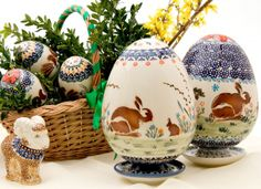 Love this idea of rabbits at Easter eggs :) Zaklady Ceramiczne, Polish pottery. Click to enlarge