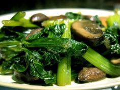 Korean Vegetable Salad Recipe by Mormon Cook | ifood.tv Turnip Green Soup, Turnip Greens, Paleo Vegetables, Vegetable Salad Recipes, Veggies, Primal Recipes, Raw Food Recipes, Healthy Recipes, Asian Recipes