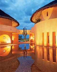 For his client's site on Mexico's Banderas Bay, architect Diego Villaseñor