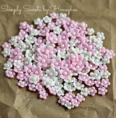 Simply Sweets by Honeybee: Fondant Accent Flowers {Simply Sweet Saturdays}