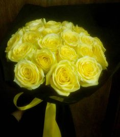 💎 25 Beautiful Yellow Ecuador Roses 💎 #floristshop #florist #ecuador #ecuadorrose #roses #yellowflower #yellowrose #yellow #flowershots #flowers #flowerlovers #lovethem #lovetocreate #lovethiscolor #colour #decorating #handmade #nofilters #bouquetrose #bouquet #thessaloniki #greece
