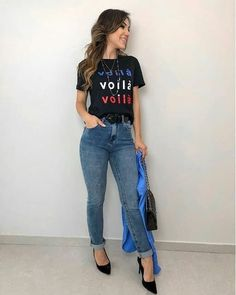 Casual Outfits For Work Office Wear, Sporty Outfits, Work Casual, Outfits For Teens, Fashion Outfits, Jeans Et T-shirt, Mom Jeans, Style Casual, Casual Looks