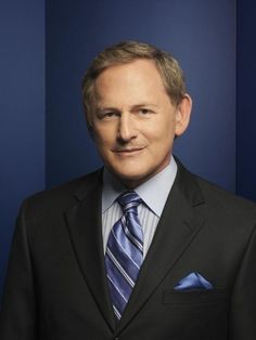 Otro actor sale del closet: Victor Garber es gay