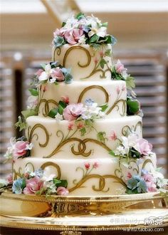 Wedding cake pretty!