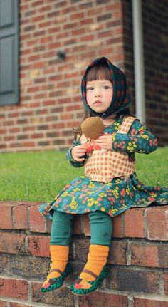 ANNIKA aus Korea - frech, fröhlich und so bunt! ANNIKA clothing brand named after this little poppet. Precious Children, Beautiful Children, Beautiful Babies, Fashion Kids, Little Doll, Little Girls, Amusement Enfants, Cute Kids, Cute Babies