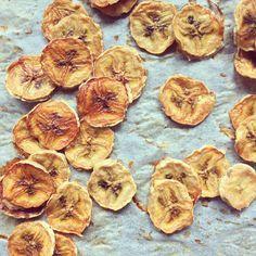Chips de banane au four