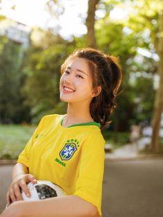 Pretty Asian Girl, Beautiful Chinese Girl, Cute Korean Girl, Cute Asian Girls, Beautiful Asian Women, Cute Girls, Korean Beauty, Asian Beauty, Chinese Actress