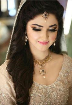 Pakistani engagement makeup with off white bridal dress Pakistani Bridal Hairstyles, Pakistani Bridal Makeup, Pakistani Wedding Outfits, Pakistani Dresses, Indian Outfits, Pakistan Bride, Pakistan Wedding, Engagement Hairstyles, Engagement Makeup